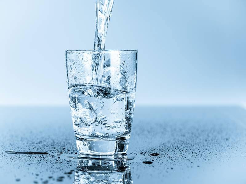 نوشیدن آب برای پیشگیری از عفونت کلیه