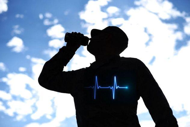 افزایش فشار خون با مصرف نوشیدنی انرژی زا